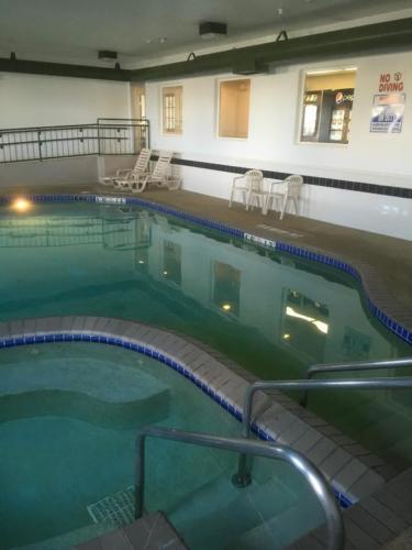 Indoor Pool & Spa Before Glasscoat Renovation
