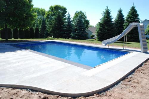 Pools-IngroundLinerPools-Custom-16x32-Rectangle-Auto-Cover-Slide-GreenBay-Wisconsin