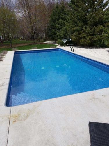 Pools-IngroundLinerPools-Custom-16x32-Rectangle-Corner-Steps-VintageBlueMosaic-Basketball-DePere-Wisconsin